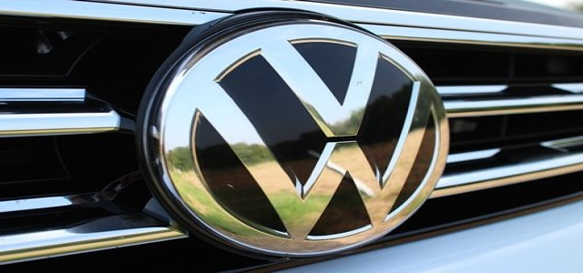 Volkswagen to cut thousands of jobs through early retirement